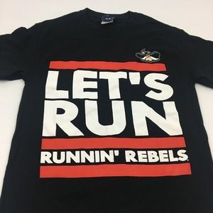 Runnin Rebels UNLV Graphic Tee T Shirt Small
